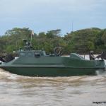 Autoridades incautan semisumergible para transportar droga en el Río Naya
